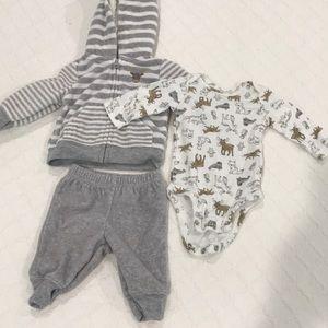Fleece set. Animal print. Hoodie. Pants. Onesie.